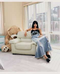 Vogue Spain, Kendall And Kylie Jenner, City Aesthetic, Lily Collins, Kardashian Jenner, Retro Outfits, Bean Bag Chair, Fashion Models, Celebs