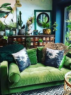 24 Ideas For Living Room Interior Design Apartment Rugs Living Room Green, Green Rooms, New Living Room, Home Decor Bedroom, Interior Design Living Room, Living Room Decor, Green Walls, Design Room, Interior Design Ideas For Small Spaces