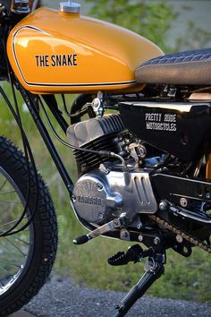"Pretty Rude Motorcycles – Yamaha DT 50 M ""The Snake"" http://caferacercult.gr/custom/pretty-rude-motorcycles-yamaha-dt-50-m-the-snake.html #caferacercult #yamaha #yamahacustom #dt #scrambler"