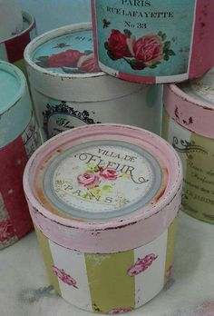 Diy Craft Projects, Diy And Crafts, Paper Mache Boxes, Chabby Chic, Hat Boxes, Diy Box, Tole Painting, Vintage Wood, Painting Techniques