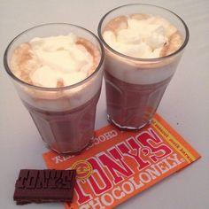 Chocolademelk met Tony's Chocolonely... Te lekker!