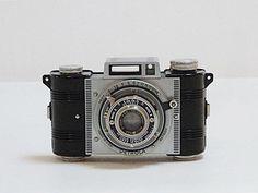 1938 - 1940 Detrola Camera. $50.00, via Etsy.