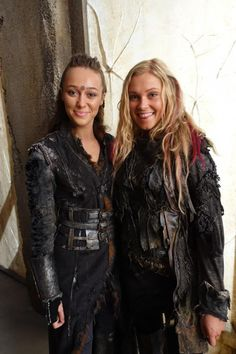 Eliza Taylor & Alycia Debnam Carey | The 100 saison 3 , épisode 3, ye who enter here, épisode 4, clarke ...
