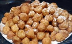 Buñuelos de manzana / Pretzel Bites, Almond, Beans, Vegetables, Desserts, Food, Dessert Ideas, Drink, Chocolate