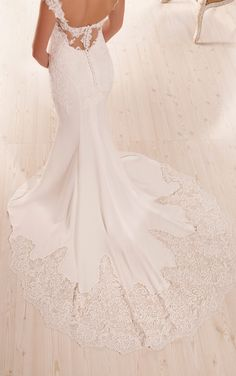 Bridal Gown Available at Ella Park Bridal | Newburgh, IN | 812.853.1800 | Essense of Australia - Style D1897