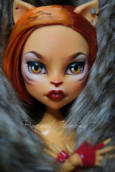 Monster high Toralei faceup by Raquel Clemente, best repaint Ive seen for her! Custom Monster High Dolls, Monster Dolls, Monster High Repaint, Custom Dolls, Bjd, Doll Face Paint, Catty Noir, Polymer Clay Dolls, Monster High Dolls
