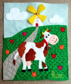 Pagina 3 van het voelboekje is ondertussen ook af. Na het schaap en de haan, nu de koe. Je kan...