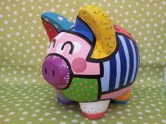 Alcancía de puerquito - Piggy bank Pottery Painting, Ceramic Painting, Pig Bank, Cute Piggies, Art Lessons For Kids, Dollar Store Crafts, Mexican Art, Art Classroom, Pretty Art