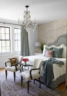 Brick Wall Bedroom, Gold Bedroom Decor, White Bedroom Furniture, Furniture Decor, Bedroom Ideas, Brick Walls, Design Bedroom, Bedroom Inspiration, Living Room Small