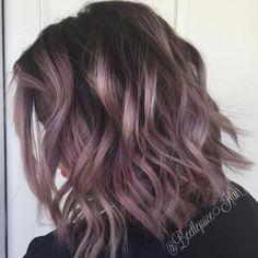 Love this #KenraColor from beetlejuice_hair! On level 10 pre-lightened hair: 8VM with 3 inches of Violet Booster. Applied all over the lightened hair, leaving out a few sub-sections. Added 2 inches of 5VR to the left over color and applied it to the sections left out. #MetallicObsession