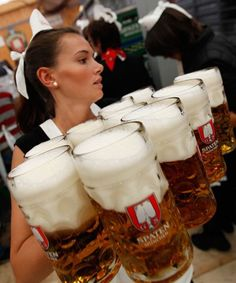 Oktoberfest festival is held annually in Munich, Bavaria, Germany. And this year the mayor of Munich Christian Ude has tapped the first keg to kick off the… Munich Oktoberfest, Oktoberfest Party, German Oktoberfest, Beer Maid, Beer Girl, German Beer, Beer Festival, Beer Lovers, Bavaria