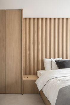 Home Interior Vintage Residence LC Wood Slat Wall, Wood Slats, Wood Veneer, Timber Cladding, Wood Cladding Interior, Wood Interior Walls, Wood Interiors, Bedroom Interiors, Suites