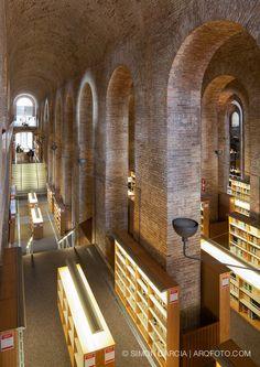 Biblioteca Dipòsit de les Aigües   Barcelona