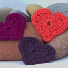 Moderne gehäkelte Herzen - Modern crochet hearts