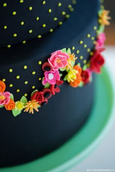 LOVE this cake!  Pretty Black Cake | by Wild Orchid Baking Co | TheCakeBlog.com