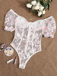 Lingerie Outfits, Pretty Lingerie, Lingerie Set, Womens Bodysuit, Lace Bodysuit, Kleidung Design, Floral Bustier, Bustiers, Classy Outfits