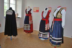 FolkCostume&Embroidery: Värend, Swedish costumes