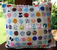 Almofada de fuxico e crochê | Flickr - Photo Sharing!