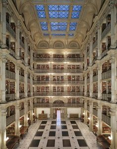 Bibliothèque George Peabody, Baltimore, États-Unis. The library of ALL libraries!