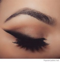 amazing-black-eye-line-with-nude-accents