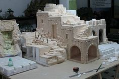 Pin by Diana Isabel on Nacimientos pesebres Miniature Rooms, Miniature Crafts, Miniature Houses, Christmas Nativity Scene, Christmas Villages, Christmas Diy, Journey To Bethlehem, Crib Decoration, Foam Carving