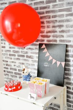 Plan a unique and adorable party with the FREE printables in this Kara's Party Ideas styled French Bulldog & Friends Dog Themed Party. Birthday Party Places, 1st Birthday Shirts, Baby Boy First Birthday, Birthday Party Celebration, 1st Boy Birthday, 1st Birthday Parties, Birthday Ideas, Printable Place Cards, Free Printable