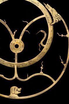 Astrolabe, English, c.1370. The stars. http://www.mhs.ox.ac.uk/astrolabe/ (Source: journalofanobody, via yama-bato)