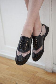 shoe photo | catalog tight crop crossed legs