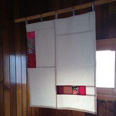 편안한 느낌의 광목 조각보 가리개 : 마마후 : 네이버 블로그 Patchwork Curtains, Fabric Art, Fabric Design, Basement Windows, Crazy Patchwork, Japanese Textiles, Home Upgrades, Fabric Squares, Patch Quilt