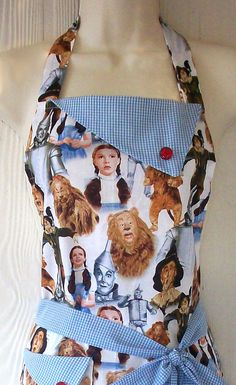"No longer available - ""Curses! The Wizard of Oz Full Apron for Women by aPopUpShop on Etsy Wizard Of Oz Movie, Broadway, Land Of Oz, Tin Man, Yellow Brick Road, Sewing Aprons, Aprons Vintage, Over The Rainbow, The Wiz"