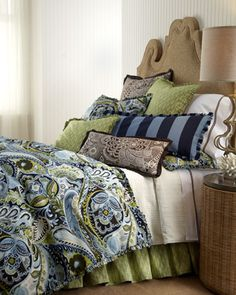 A very bold and vibrant paisley.  All you'd need is the duvet...everything else could be solid.
