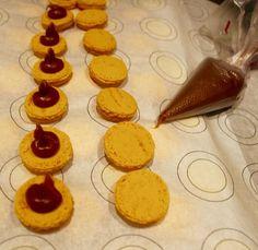 Slik lykkes du med makroner - Franciskas Vakre Verden Slik, Nom Nom, Food And Drink, Cookies, Baking, Desserts, Snacks, Crack Crackers, Tailgate Desserts