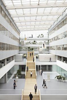 TNT Centre by Architectenbureau Paul de Ruiter as Architects
