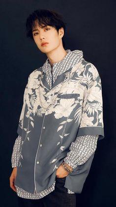 Chinese Boy, Asian Men, Asian Guys, Hot Boys, Shirt Dress, Blouse, Celebrities, Mens Tops, Women