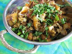 Green Chili Cilantro Chicken: Awesome Indian/Pakistani food blog with photos