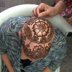 My client getting married and decided to go with henna crown instead of a wig. She never regret and make me so happy.