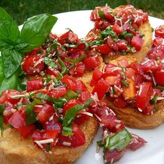 Balsamic Bruschetta | Balsamic vinegar adds a delicious zip to easy bruschetta.