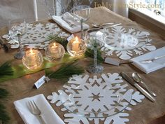 Glitter-and-Snowflake-Placemats. Table setting ideas. {InMyOwnStyle.com}