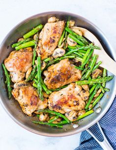This Lemon Herb Chicken, Asparagus, & Mushroom Skillet is fresh, healthy and low carb dinner made in one pan in under 30 minutes. The buttery lemon herb sauce is flavourful and delicious. Chicken Mushroom Recipes, Chicken Recipes Video, Healthy Chicken Recipes, Healthy Dinner Recipes, Healthy Asparagus Recipes, Lemon Herb Chicken, Chicken Asparagus, Esparagus Recipes, Cooking Recipes
