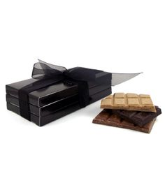 Coffee lovers chocolate trio. Espresso dark chocolate, latte white chocolate and cappuccino milk chocolate bars - perfect gift for lovers of coffee chocolate! #handmade #coffee #chocolate