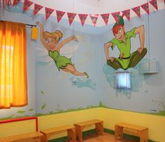 Decorative murals with spray paint and markers acrylic, faithful reproduction of subjects chosen specifically for the festive atmosphere #peterpan #trilli #decoration #lisolachenoncè #atelierovunque #spray #spraypaint #dudu #disney #cartoon #movie #animation #WaltDisney #NeverLand #interior #camerette #Children #rooms