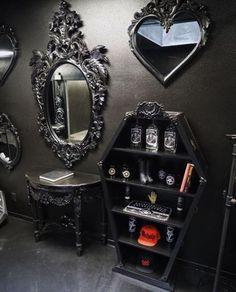 die besten 25 gotische m bel ideen auf pinterest gothic schlafzimmer grufti deko und. Black Bedroom Furniture Sets. Home Design Ideas