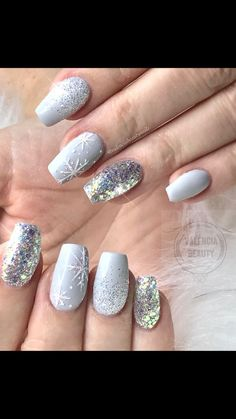 Top 10 Light Color Christmas Snowflake Coffin Nails in 2019 Nail art Hübscher Winter nails Art Design Inspirations 01 – – Winter Manicure Trendy Winter Nail Art Design, Trends&Photo Ideas of Winter Nail Design Cute Christmas Nails, Xmas Nails, Christmas Nail Designs, Holiday Nails, Christmas Snowflakes, Winter Christmas, Christmas Manicure, Chrostmas Nails, Christmas Acrylic Nails