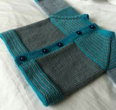 Ravelry: Project Gallery for garter yoke baby cardi pattern by Jennifer Hoel Baby Cardigan Knitting Pattern Free, Baby Boy Knitting Patterns, Baby Sweater Patterns, Knitted Baby Cardigan, Knit Baby Sweaters, Crochet Baby Booties, Knitting For Kids, Baby Patterns, Hand Knitting