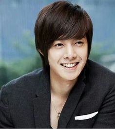 #KimHyunJoong #hermoso #sonrisa