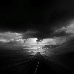andy lee iceland 4 Breathtaking Black And White Photos Of Icelandic Landscapes