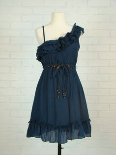 <3 off the shoulder and ruffles <3