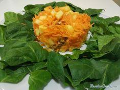 Receta de Ensalada de zanahoria y manzana - Paso 7 Lettuce, Fresco, Cabbage, Food, Carrot Salad Recipes, Squeezed Lemon, Easy Meals, Juicing, Side Dishes