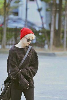 [Completed ]    Ini hanya kisah seorang Min Yoongi yang ingin kembali… #fanfiction #Fanfiction #amreading #books #wattpad