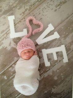 Newborn Photo   Valentine's Baby